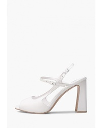 Белые кожаные босоножки на каблуке от Alla Pugachova