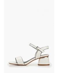Белые кожаные босоножки на каблуке от Betsy