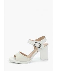 Белые кожаные босоножки на каблуке от Just Couture
