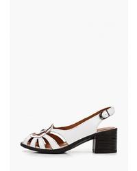 Белые кожаные босоножки на каблуке от Pierre Cardin