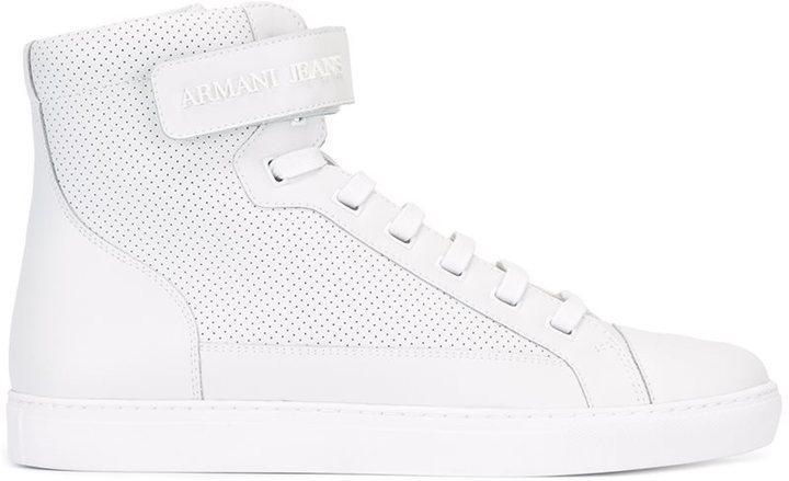 d0c8aaf91eb8 Мужские белые кожаные высокие кеды от Armani Jeans   Где купить и с ...