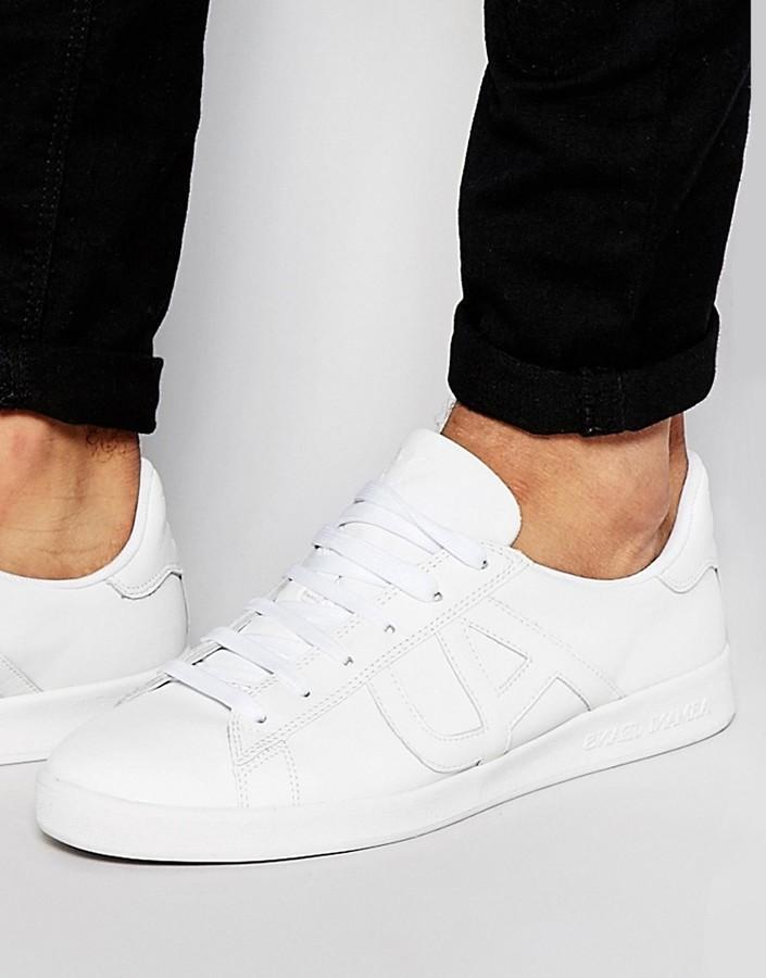 5f929f044628 Мужские белые кожаные кеды от Armani Jeans   Где купить и с чем носить