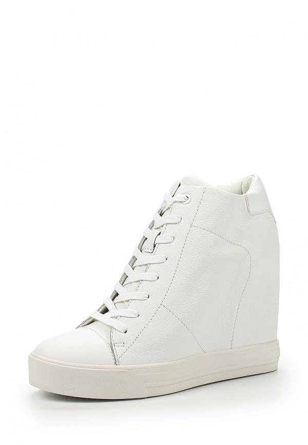 Белые кожаные кроссовки на танкетке от DKNY Active   Где купить и с ... 4a4122bb479