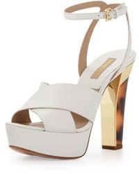 Белые кожаные массивные босоножки на каблуке