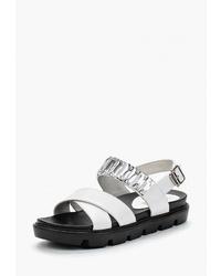 Белые кожаные сандалии на плоской подошве от Vitacci