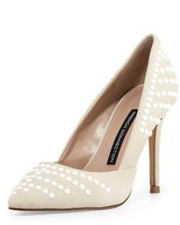 Белые кожаные туфли с шипами