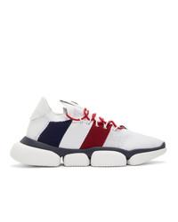 Мужские белые кроссовки с принтом от Moncler