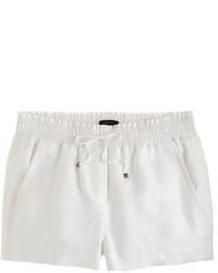 Белые льняные шорты