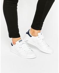 Женские белые низкие кеды от adidas