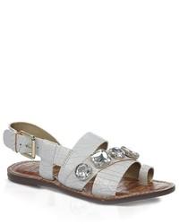 Белые сандалии на плоской подошве