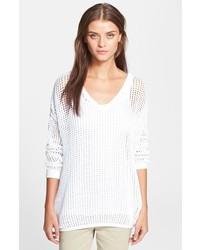 Белый вязаный свободный свитер