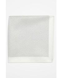 Белый нагрудный платок в горошек