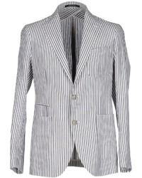 Белый пиджак в вертикальную полоску