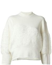 Белый пушистый свитер с круглым вырезом