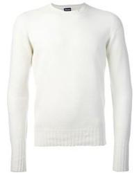 Белый свитер с круглым вырезом