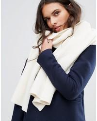Женский белый шарф от Vila