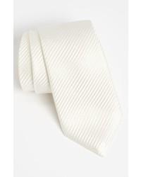 Белый шелковый галстук