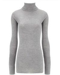 Если в одежде ты ценишь функциональность и удобство, обрати внимание на сочетание Брюк и водолазки.