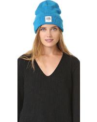 Женская голубая вязаная шапка от Opening Ceremony