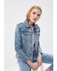 Женская голубая джинсовая куртка от Juicy Couture