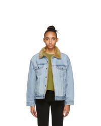 Женская голубая джинсовая куртка от Levis