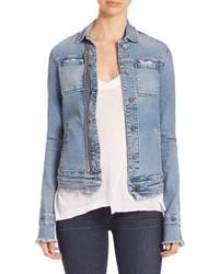 Голубая рваная джинсовая куртка