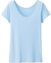 Голубая футболка с круглым вырезом