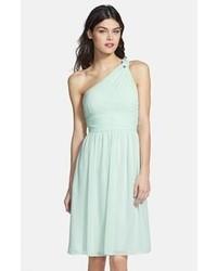 55df9cc33df Купить голубое шифоновое коктейльное платье со складками - модные модели  коктейльных платьев