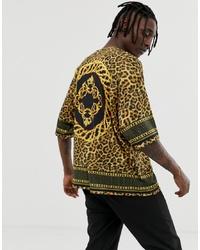Мужская горчичная футболка с круглым вырезом с леопардовым принтом от ASOS DESIGN
