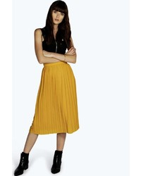 Горчичная юбка-миди со складками