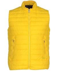 Желтая куртка без рукавов