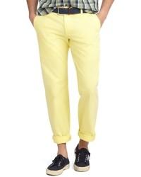 Желтые брюки чинос