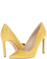 Желтые кожаные туфли