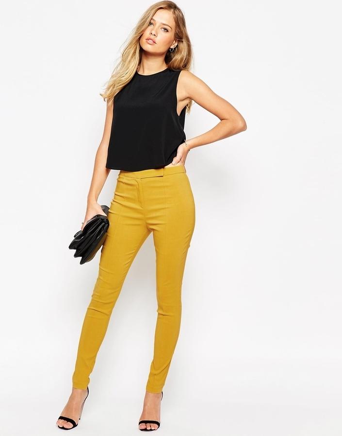 они девушка в желтых штанишках уписалась смотреть онлайн муж давно