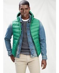 Зеленая куртка без рукавов