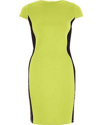 Зелено-желтое облегающее платье