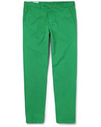 Зеленые брюки чинос