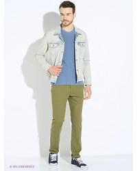 Зеленые брюки чинос от Levi's