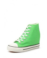 Зеленые кроссовки на танкетке от Bella Comoda