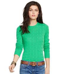 Зеленый вязаный свитер