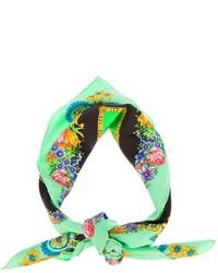 Зеленый шарф с цветочным принтом