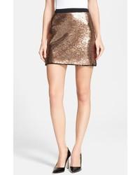 Золотая мини-юбка с пайетками