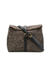 Коричневая кожаная сумка почтальона с принтом от Mismo