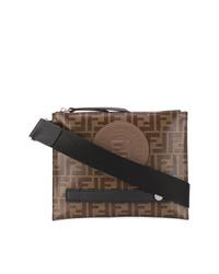 Коричневая кожаная сумка почтальона от Fendi