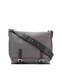 Мужская коричневая кожаная сумка почтальона от Loewe