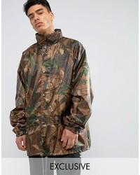 Коричневая куртка в стиле милитари с камуфляжным принтом
