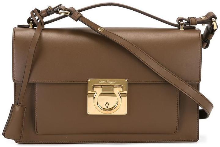 2c8834fb4fa7 Коричневая сумка через плечо от Salvatore Ferragamo, 92 905 руб ...