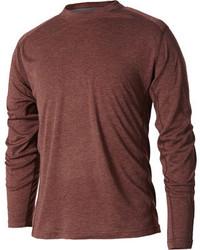 Коричневая футболка с длинным рукавом
