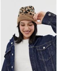 Женская коричневая шапка с леопардовым принтом от ASOS DESIGN