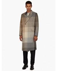 Коричневое длинное пальто в клетку